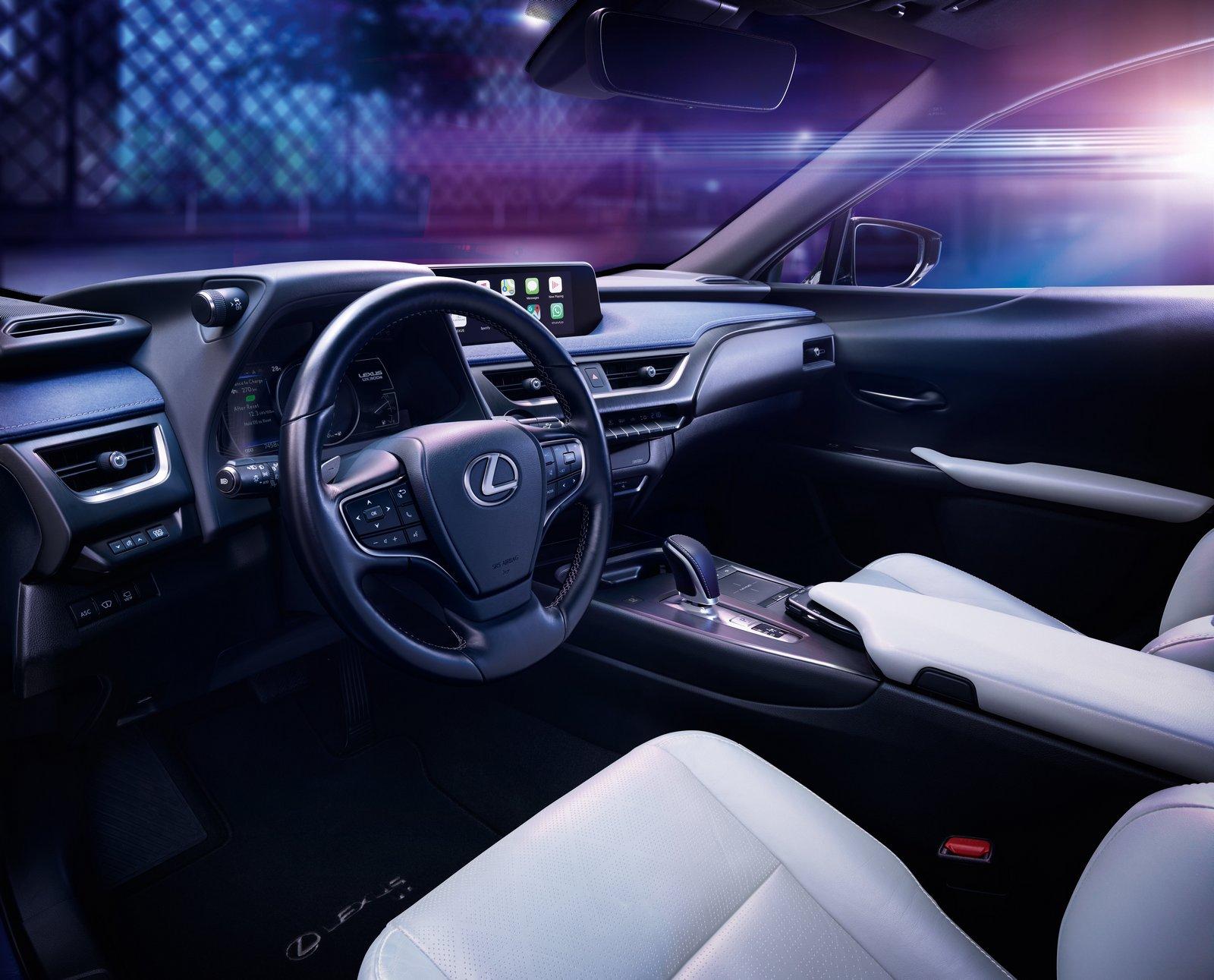 Interior Lexus UX 300e