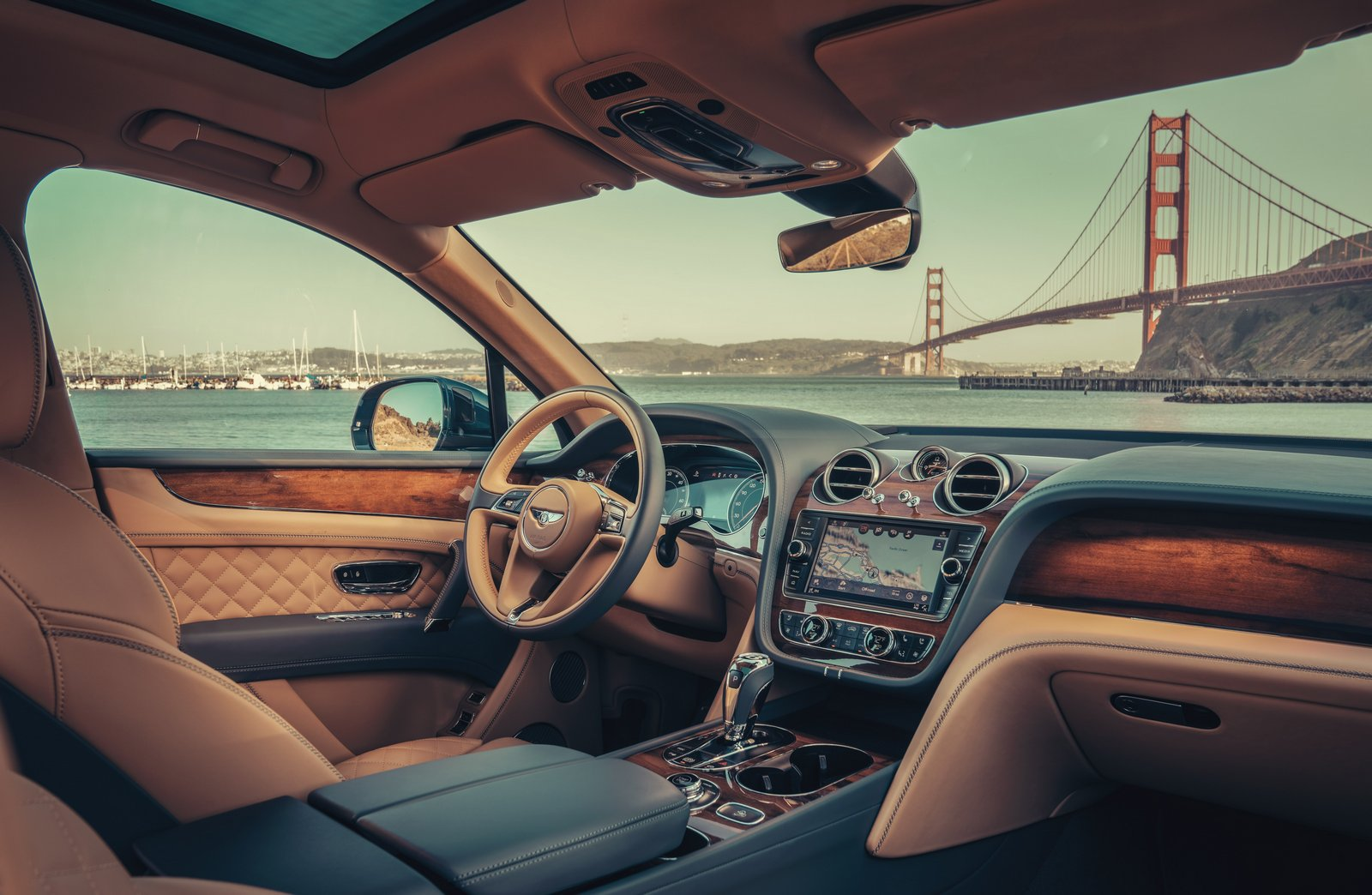 Interior Bentley Bentayga Hybrid