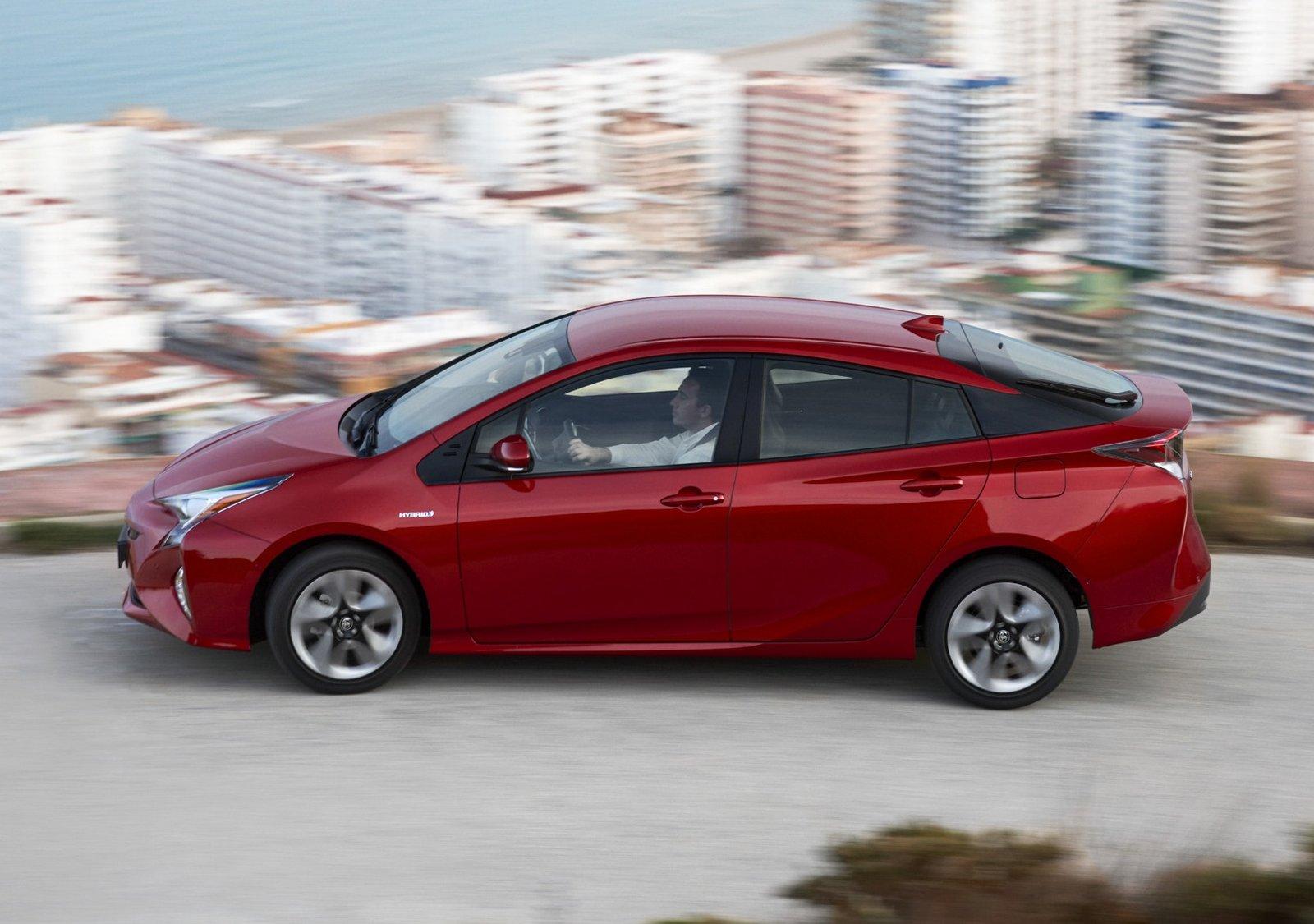 Coches híbridos con menos consumo. Toyota Prius