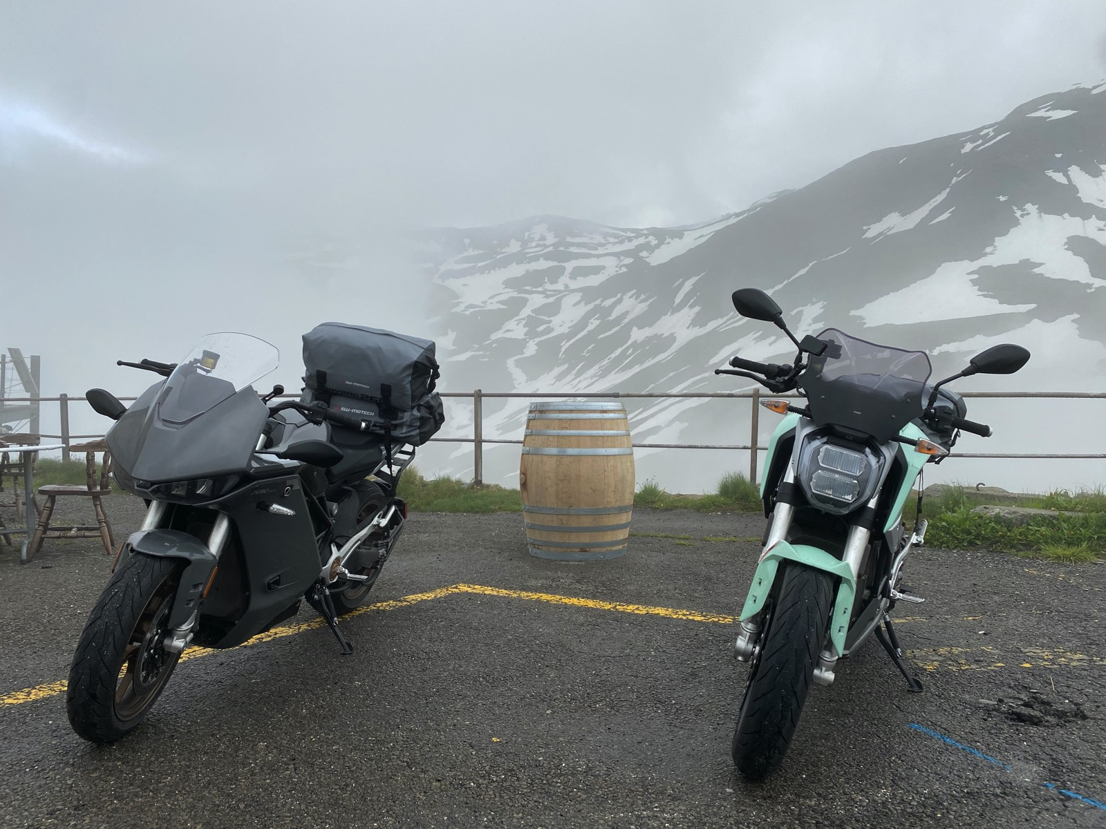 Viajar en moto eléctrica España-Suiza con una Zero SR/F